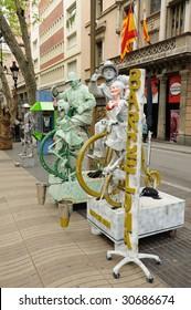 BARCELONA - APRIL 16: Street performer at La Rambla April 16, 2009 in Barcelona, Spain.