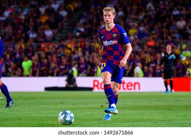 BARCELONA - AUG 25: Frenkie De Jong plays at the La Liga match between FC Barcelona and Real Betis at the Camp Nou Stadium on August 25, 2019 in Barcelona, Spain.