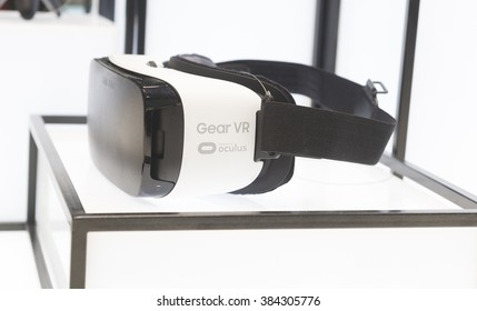 1b5ad1d2626 BARCELONA - FEBRUARY 24  the new Samsung Gear VR a glasses mobile virtual  reality device