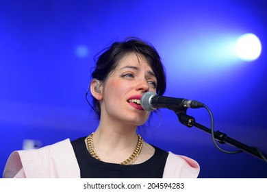 BARCELONA - JUN 12: BFlecha (band) performance at Sonar Festival on June 12, 2014 in Barcelona, Spain.