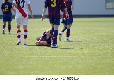 BARCELONA - MAR 14: F.C Barcelona women's football team play against Rayo Vallecano on March 14, 2010 in Barcelona, Spain. Superliga (Women's Football Spanish League) match.