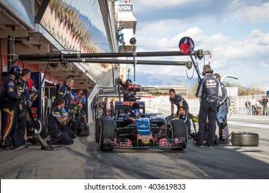 BARCELONA - MARCH 3: Max Verstappen of Toro Rosso F1 Team makes a pit stop at Formula One Test Days at Catalunya circuit on March 3, 2016 in Barcelona, Spain.