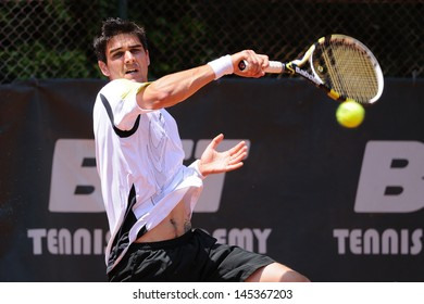 BARCELONA - MAY 22: The tennis player Michael Phillips plays at the ATP Tour IV Futures F17 of Valldoreix on May 22, 2010 in Barcelona, Spain.