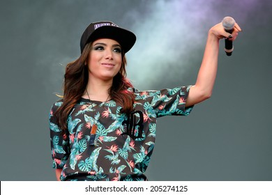 BARCELONA - MAY 23: Anitta (Brazilian recording artist, songwriter, and dancer) at Primavera Pop Festival by Los 40 Principales on May 23, 2014 in Barcelona, Spain.