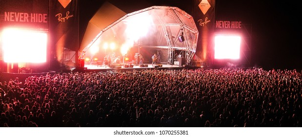 BARCELONA - MAY 23: The crowd in a concert at Primavera Sound 2013 Festival on May 23, 2013 in Barcelona, Spain.