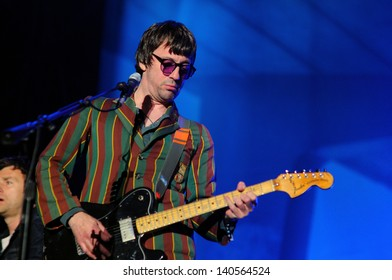 BARCELONA - MAY 25: Graham Coxon, guitarist of Blur band, performs at Heineken Primavera Sound 2013 Festival on May 25, 2013 in Barcelona, Spain.