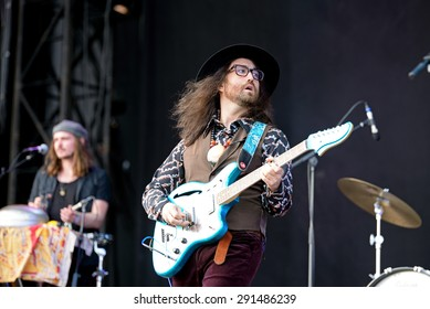 BARCELONA - MAY 30: Sean Lennon, frontman of The Ghost of a Saber Tooth Tiger (band), performs at Primavera Sound 2015 Festival on May 30, 2015 in Barcelona, Spain.