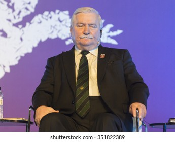 BARCELONA - NOVEMBER 14: Nobel Peace Prize in 1983 Lech Walesa speaking at the 15th World Summit of Nobel Peace Laureates on November 14, 2015, Barcelona, Spain.