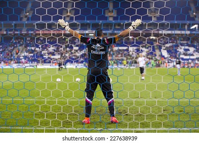 BARCELONA - OCTOBER 29: Keylor Navas of RM in action at the Copa del Rey match between UE Cornella and Real Madrid, final score 1 - 4, on October 29, 2014, in Cornella, Barcelona, Spain.