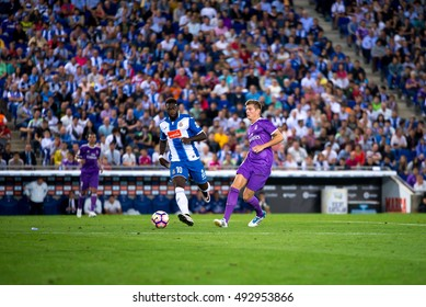 BARCELONA - SEP 18: Toni Kroos plays at the La Liga match between RCD Espanyol and Real Madrid CF at RCDE Stadium on September 18, 2016 in Barcelona, Spain.