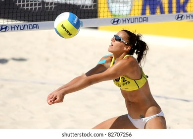 BARCELONA - SEPT, 10: Spanish beach Volley player Alejandra Simon  in action during a match of the Swatch FIVB Beach Volley World Tour'09 at monjuich September 10, 2009 in Barcelona, Spain