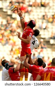 BARCELONA - SEPT, 15: Luke Charteris of USAP Perpignan in action during the French rugby union league match against Stade Toulousain at the Olympic Stadium in Barcelona, on September 15, 2012