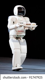 BARCELONA – SEPTEMBER 27: Asimo, the humanoid robot created by Honda is presented to the Spanish audience during a robot congress on September 27, 2007 in Barcelona, Spain.
