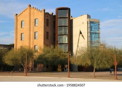 BARCELONA, SPAIN - Jan 27, 2015: Edificio llamado La Farinera en Barcelona