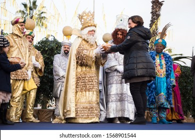 BARCELONA, SPAIN –  JANUARY 5, 2017: Mayor of Barcelona welcomes and thanks for visit of Three Kings-magicians. Barcelona, Catalonia