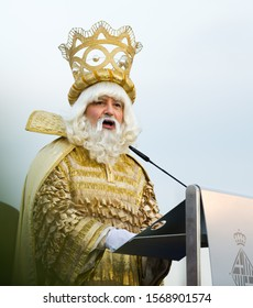 BARCELONA, SPAIN – JANUARY 5, 2017:  Balthazar reading out welcoming address during ceremonial meeting in port. Barcelona, Spain