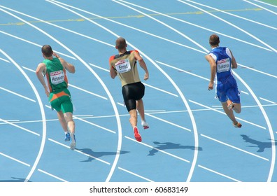 BARCELONA, SPAIN - JULY 29: Competitors of 200m Men of the 20th European Athletics Championships at the Olympic Stadium on July 29, 2010 in Barcelona, Spain