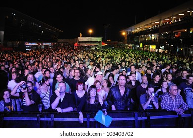 BARCELONA, SPAIN - MAY 12: Fans at Maremagnum on May 12, 2012 in Barcelona, Spain. La Pla�§a Odissea Festival.