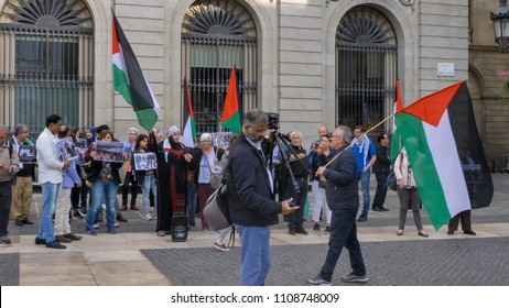 Barcelona, Spain - May 15, 2018: BDS (Boycott, Divestment and Sanctions) Movement protest by Barcelona's city hall, with sound.