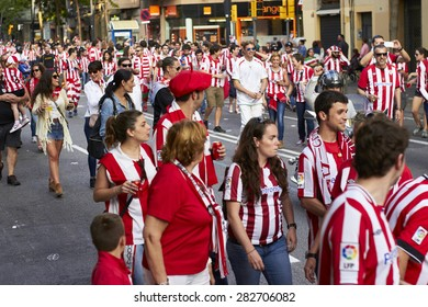 BARCELONA, SPAIN - may 30 2015: Final match of cup of spain 2015, Fans walking to Camp Nou stadium for FC Barcelona and Athletic Bilbao match