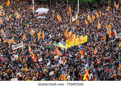 Barcelona, Spain - November 11, 2017: Catalan Independentists marching on a rally of support for the political prisoners held by the spanish central government on November 11, 2017 in Barcelona, Spain