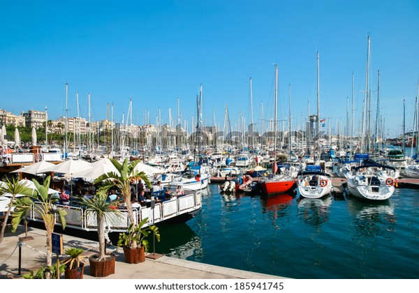 BARCELONA, SPAIN/EUROPE - JUNE 1 : Assortment of boats and yachts moored at the marina in Barcelona on June 1, 2006. Unidentified people.