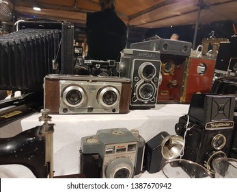 Barceona, Spain - December ‎14, ‎2018: Iloca Stereo Rapid Stereoscopic 3D Camera, built between 1956 and 1959 in Germany and Sem Semflex 154 (Type 14) camera, built between 1954 and 1955 in France.