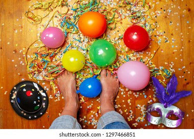 Barefoot on party