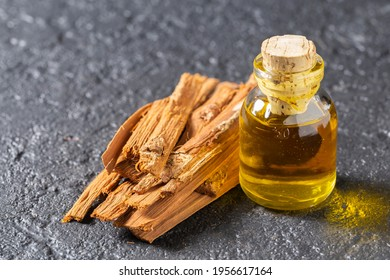 bark and essential extract of medicinal plant cat's claw, uncaria tomentosa