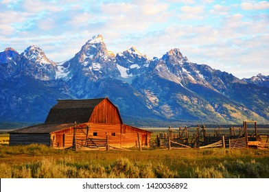 Barn on Mormon Run , Wyoming most popular barn in Jackson Hole.