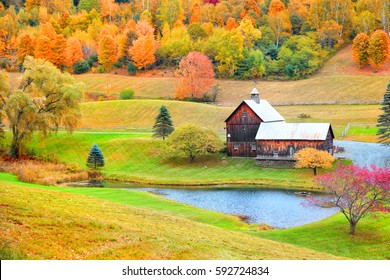 Barn in rural Vermont in autumn time.