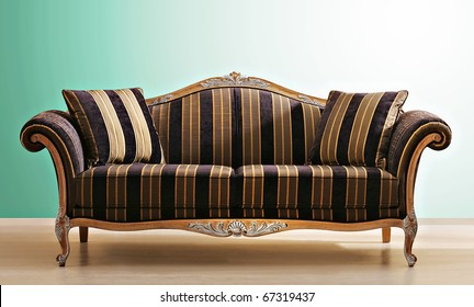 Beau Baroque Couch