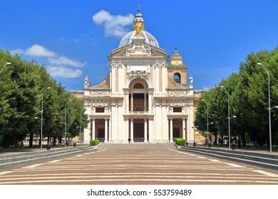 Baroque facade of the Papal Basilica of Saint Mary of the Angels in Santa Maria degli Angeli, Assisi, region of Umbria, Italy