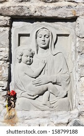 bas relief of the Madonna
