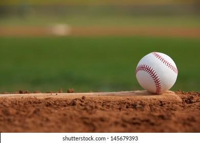 投手マウンドの野球