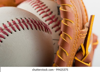 baseballglove with balls