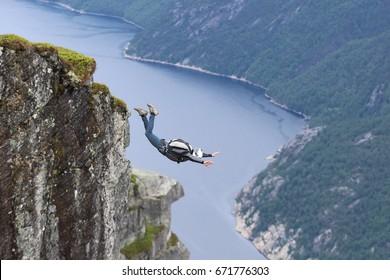 Basejumping Kjerag, Norway