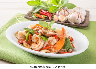 Basil Fried with mixed seafood, Thai Food