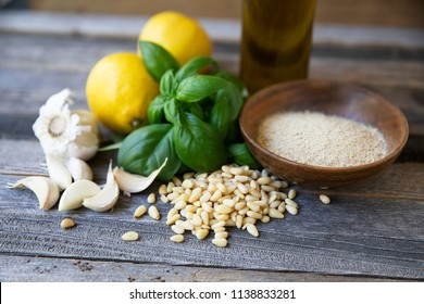 Basil, pine nuts, garlic, lemon, oil and nutritional yeast: ingredients for vegan pesto