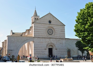 The Basilica of Saint Claire, Assisi, Italy.