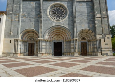 The Basilica of Sant'Andrea at Vercelli that was built between 1219 and 1227. The abbey has a Gothic style, one of the first in Italy, fused with Lombard Romanesque style