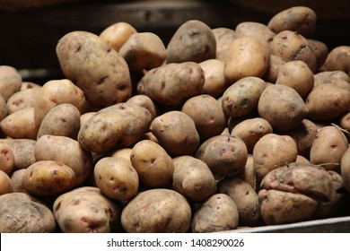 Basket with Potatoes, Market Zanzibar