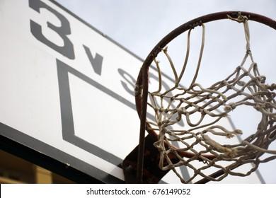 Basket Versus