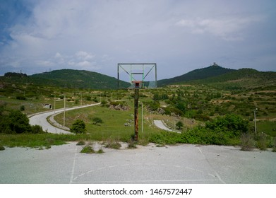 Basketbal field in middle of nature
