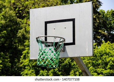 Basketbal hoop outside kids playground