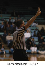 basketball referee signaling two free throws
