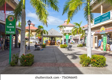 BASSETERRE, ST. KITS AND NEVIS 14 DECEMBER, 2016: Streets in Basseterre St. Kits and Nevis