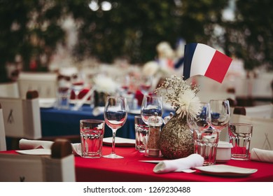 Bastille day table set up decoration