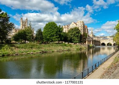 BathSomersetEnglandSeptember 07, 2018Bath Abbey and Pulteney Bridge across the river Avon