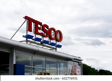 BATHGATE, SCOTLAND, UK - MAY 22, 2017. Tesco supermarket Sign outside the store.